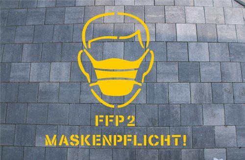 FFP2 Maske Bodenmarkierung