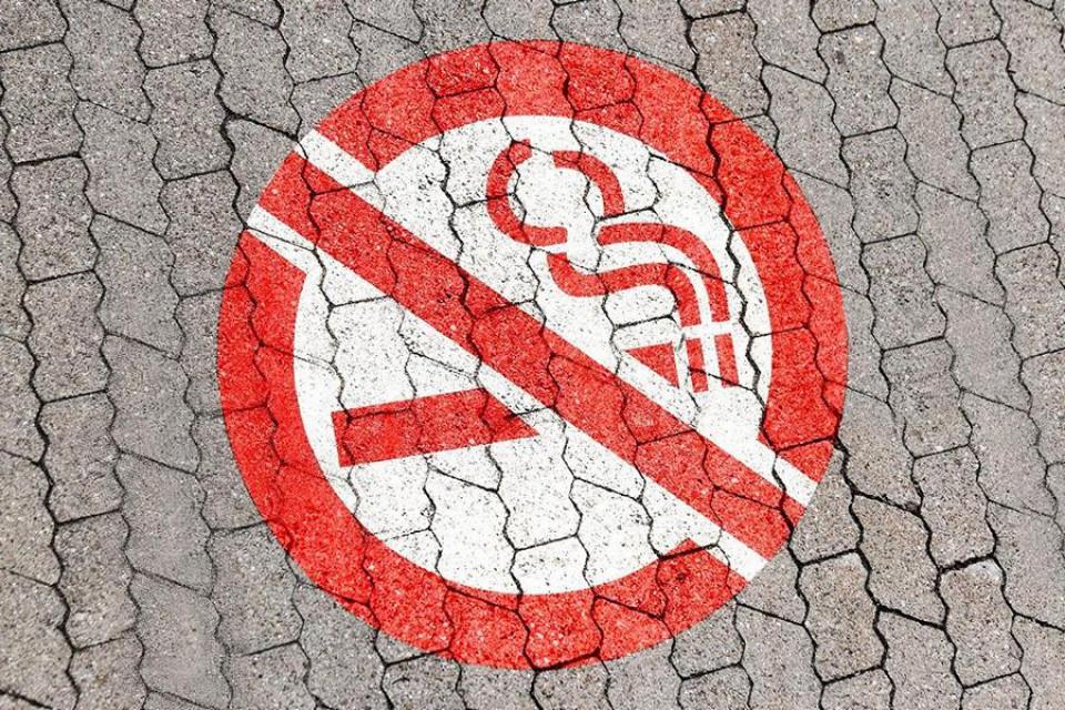 Rauchverbot Bodenmarkierung zum Malen oder Sprühen