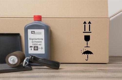 Pfeil, Glas, Schirm Verpackungslogo untereinander Sprühschablone
